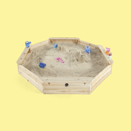 GIANT WOODEN SAND PIT
